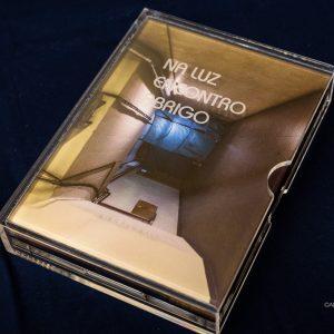 """Livro objecto """"Na Luz Encontro Abrigo"""""""