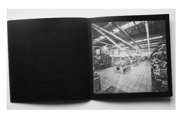 Ausências fotozine a preto e branco