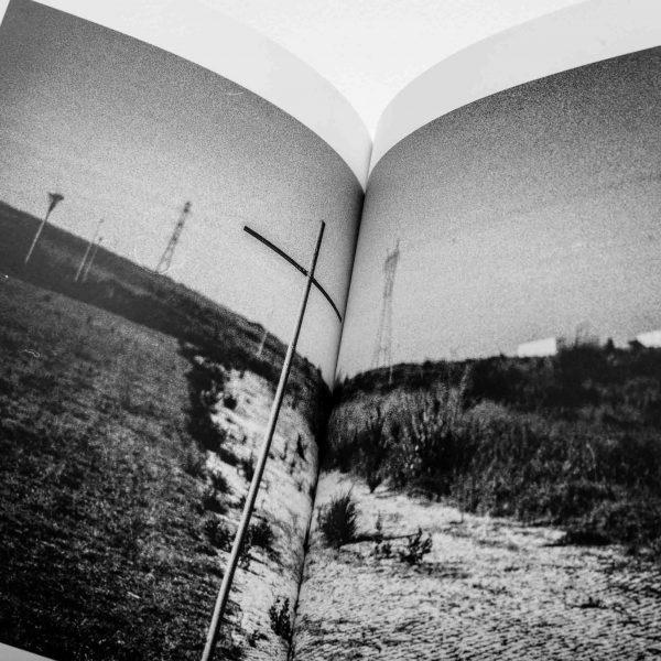 Arlindo Pinto Fotografia de Autor Cruz em Catálogo de Silêncios